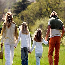 Dalla legge di stabilità un piccolo aiuto ai genitori: detrazioni Irpef più consistenti per i figli a carico