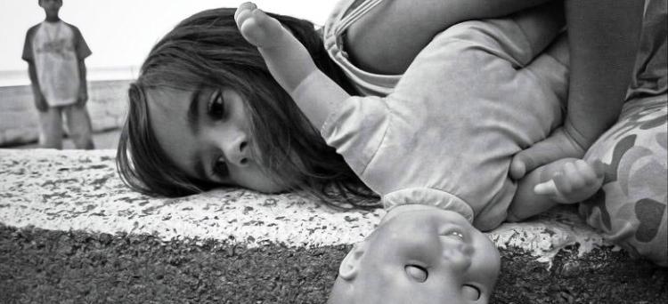 Photo of Sotto processo anche la madre se non impedisce l'abuso sessuale sul minore