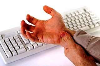 Con sentenza definitiva è stato riconosciuto un indennizzo, con inabilità lavorativa pari al 15%, ad un bancario per accertata tecnopatia causata da «overuse» (uso eccessivo) del mouse del computer