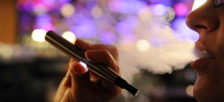 Il rinvio dell'Iva grava sulle sigarette elettroniche e, in misura più consistente, sugli acconti Irpef, Irap e Ires dovuti nel 2013