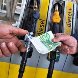 Distributori di gasolio nel mirino della Gdf in tutta Italia  Lavorofisco.it