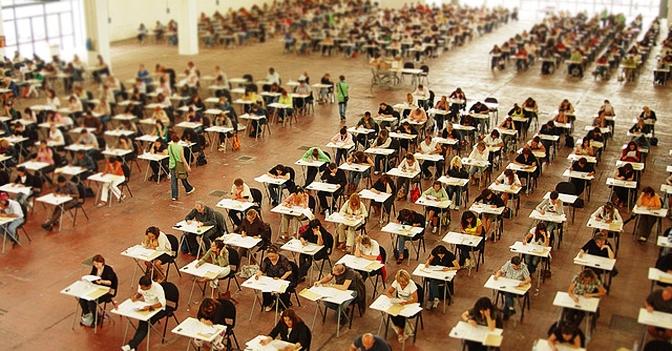 """A fronte di 11.542 posti messi a bando con il """"concorsone"""", sono stati finora proclamati vincitori 8.303 docenti. Di questi, 3.255 sono stati immessi in ruolo"""