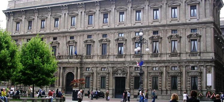 Palazzo Marino intende portare al massimo l'imposta sui redditi: 0,8 per cento. La soglia di esenzione passa da 30 a 15mila euro