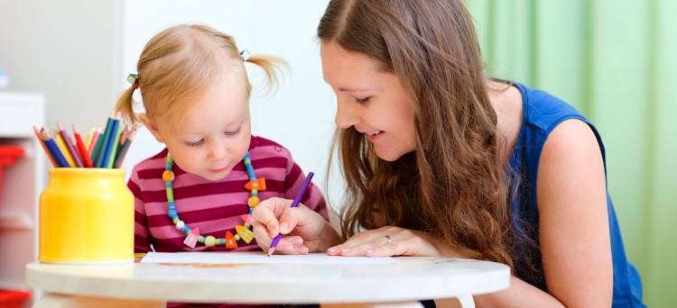La nuova legge (D.Lgs n. 39/14) sull'obbligo di richiedere il certificato penale a chi lavora regolarmente con i minori non si applica al caso delle baby-sitter
