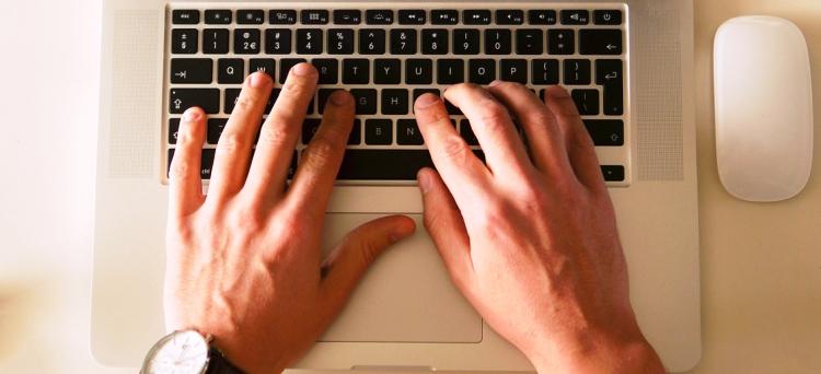 Per dimettersi, il lavoratore non ha altra via che l'online, perché il modulo telematico è la forma tipica per manifestare la volontà di recedere da un rapporto di lavoro e non ha invece funzione di convalida di dimissioni rese in altra forma