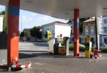 In caso di cessione di distributore di benzina, sono tassati come immobili anche i componenti dello stesso come, ad esempio, il chiosco, i serbatoi e le pompe di rifornimento, seppur ipoteticamente separabili dall'impianto